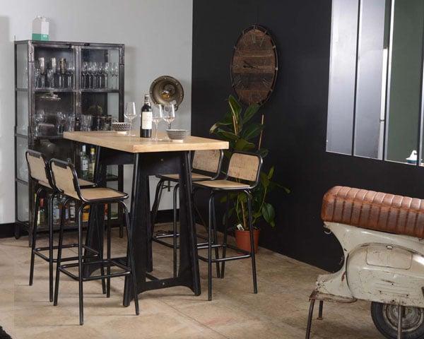 Table haute et tabouret de bar style industriel